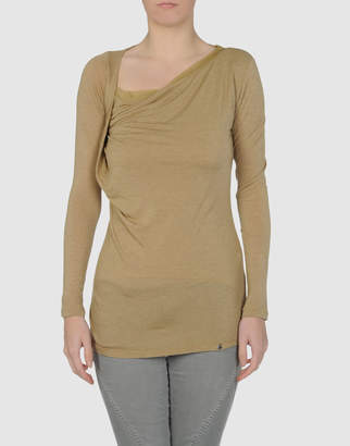 Annarita N. Long sleeve t-shirts - Item 37297063MR
