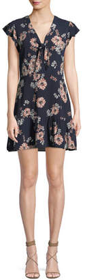 Cupcakes And Cashmere Dalma V-Neck Sleeveless Floral-Print Dress