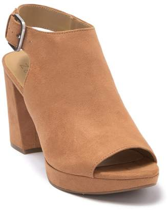 Naturalizer Freedom Platform Sandal
