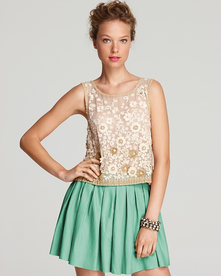 Alice + Olivia Tank - Garland Cropped Flower