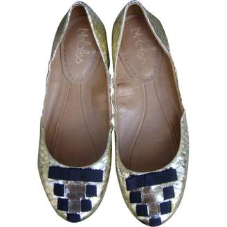 Maloles Gold Leather Ballet flats