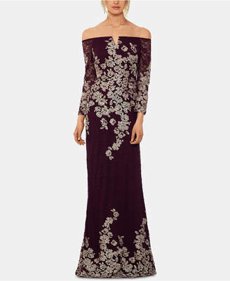 Xscape Evenings Petite Lace-Embroidered Gown