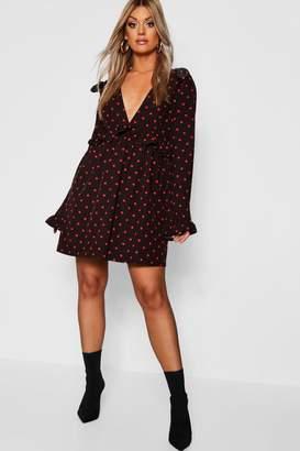 85ee47d98be boohoo Plus Polka Dot Plunge Ruffle Skater Dress