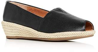 Kenneth Cole Gentle Souls by Women's Luci A-Line Low Wedge Espadrille Pumps