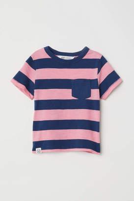 H&M T-shirt with Chest Pocket - Dark blue/green striped - Kids