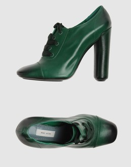 MARC JACOBS Laced shoes
