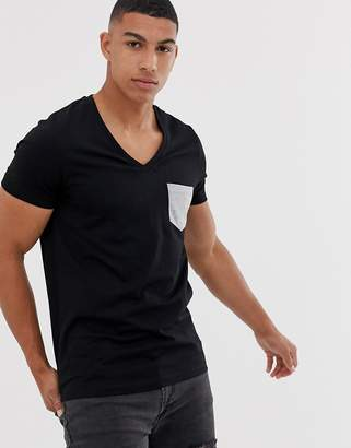Asos Design DESIGN t-shirt with deep v neck and contrast pocket in black