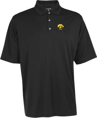 Antigua Men's Iowa Hawkeyes Exceed Desert Dry Xtra-Lite Performance Polo