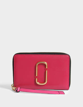 Marc Jacobs Snapshot Small Standard Wallet in Hibiscus Split Cow Leather