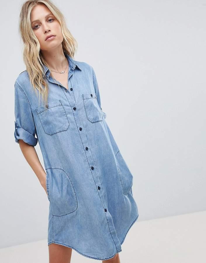 – Jeanshemdkleid mit Waschung