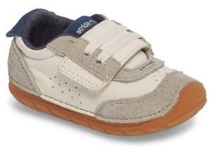 Stride Rite Soft Motion SRT Wyatt Sneaker