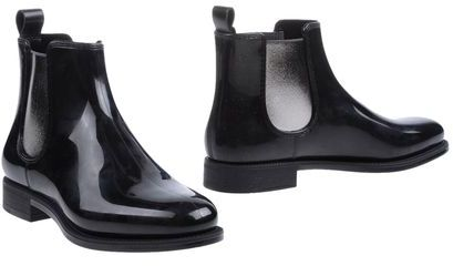 Menghi Ankle boots