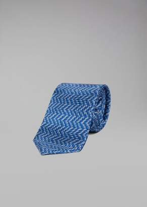 Giorgio Armani Pure Silk Tie With Zig-Zag Pattern