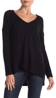 Three Dots Ribbed Hi-Lo Hem Long Sleeve Tee