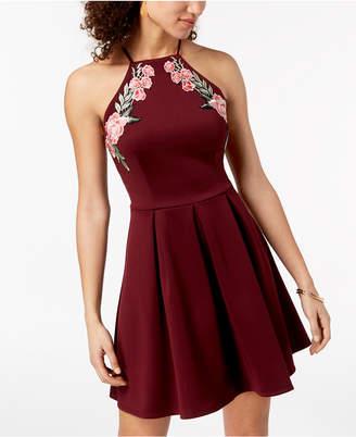 B. Darlin Great dress!