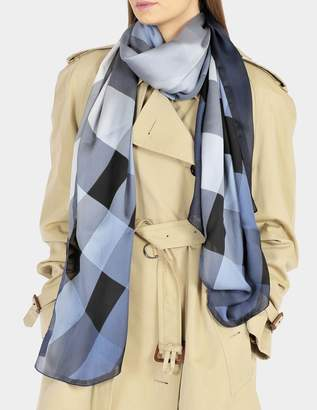 Burberry 190X70 Ombrée Mega Check Ultra Washed Stole in Dusty Blue Silk