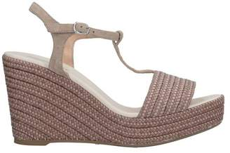 Piccadilly Sandals