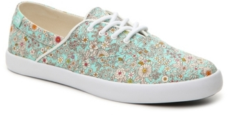 etnies Corby Sneaker - Womens $45 thestylecure.com