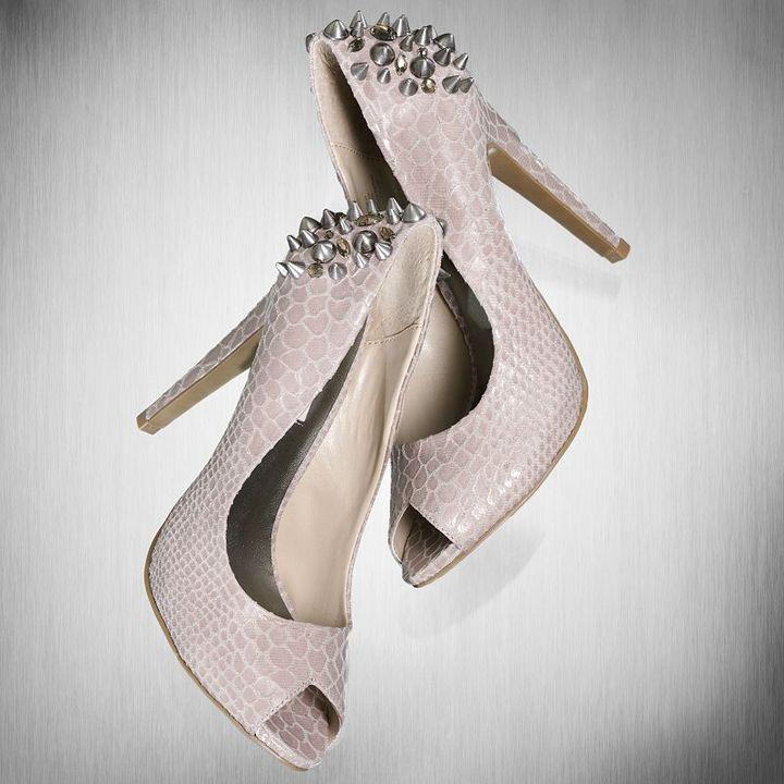 Vera Wang Simply vera peep-toe high heels