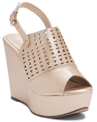 Refresh Kama Perforated Wedge Sandal