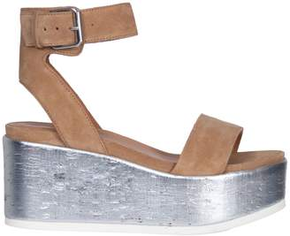 Janet & Janet Bahamas Sandals