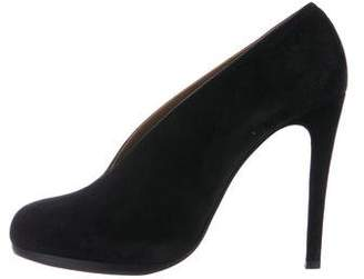 Hermes Suede Round-Toed Pumps
