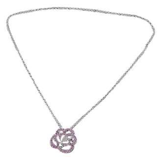 Chanel Camélia white gold necklace