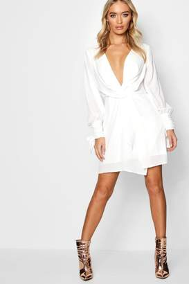 9faee7062a56 boohoo Twist Front Ruched Sleeves Shift Dress