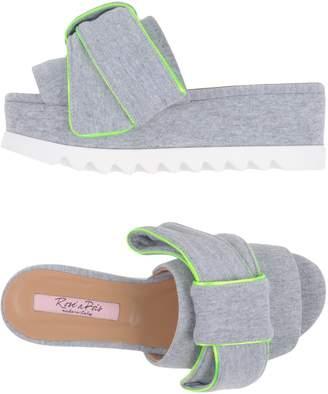 Rose' A Pois Sandals