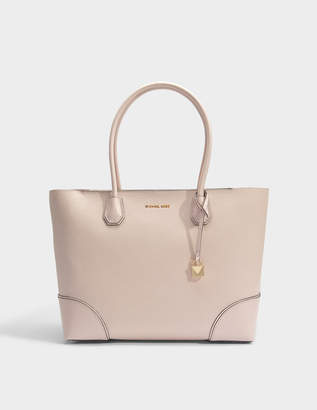 MICHAEL Michael Kors Mercer Gallery Large East-West Top Zip Tote Bag in Soft Pink Mercer Pebble Leather