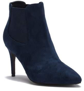 14th & Union Simmone Pointed Toe Chelsea Bootie