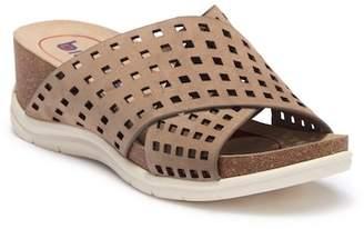 Pandora bionica Wedge Sandal