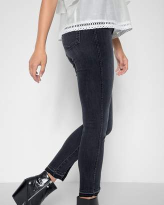 7 For All Mankind Ankle Skinny with Seams and Front Splits in Vintage Noir