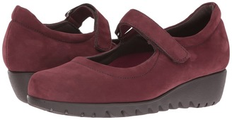 Munro - Pia Women's Hook and Loop Shoes $210 thestylecure.com