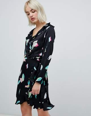 Pepe Jeans Elsa abstract print wrap dress