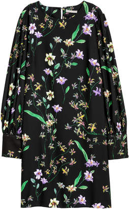 H&M Dress with puff sleeves