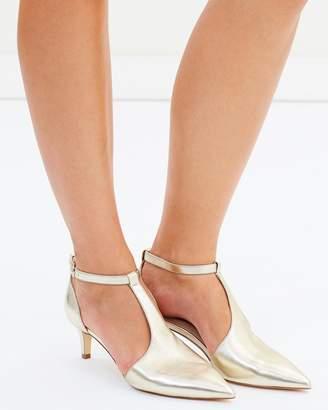 ICONIC EXCLUSIVE - Caelan Leather Heels