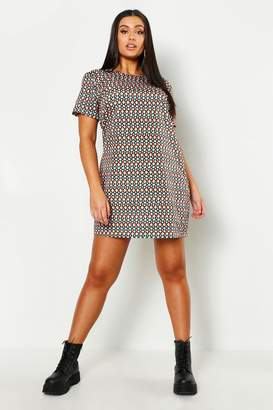boohoo Plus Geo Satin Printed Shift Dress