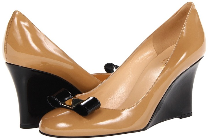 Kate Spade Mania (New Camel Patent/Black Patent Bow) - Footwear
