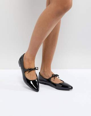 New Look Patent Pointed Bow Detail Flat Shoe