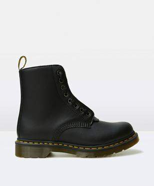 Dr. Martens 8 Eye Zip Boot Black