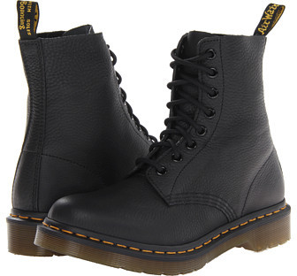 Dr. Martens Pascal 8-Eye Boot W