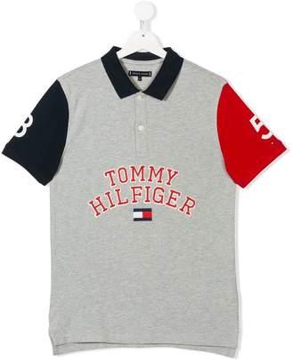 Tommy Hilfiger (トミー ヒルフィガー) - Tommy Hilfiger Junior ロゴプリント ポロシャツ