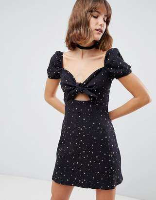 Glamorous tie front tea dress in star print