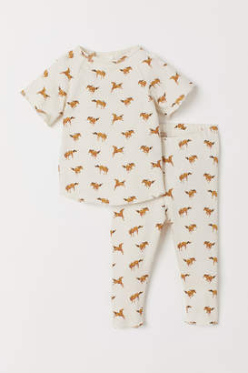 H&M Cotton T-shirt and leggings
