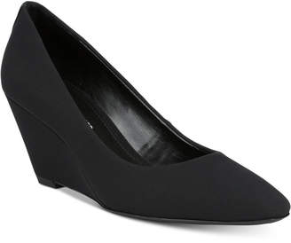 Donald J Pliner Jeri Pumps Women's Shoes