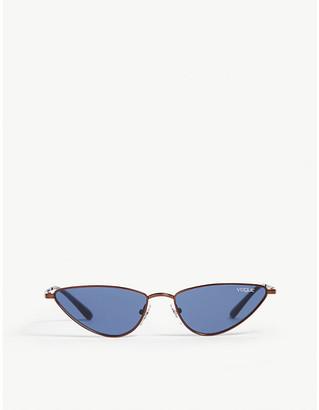 1912f50d8c85 Vogue Gigi Hadid Lafayette cat eye-frame sunglasses