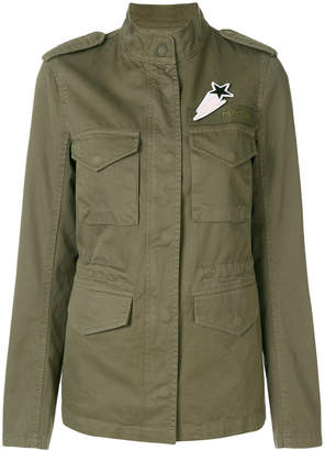 Closed fitted military jacket