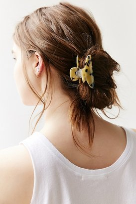 Tortoise Claw Hair Clip $10 thestylecure.com
