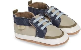 Robeez R) Arthur Trendy Trainer Crib Shoe